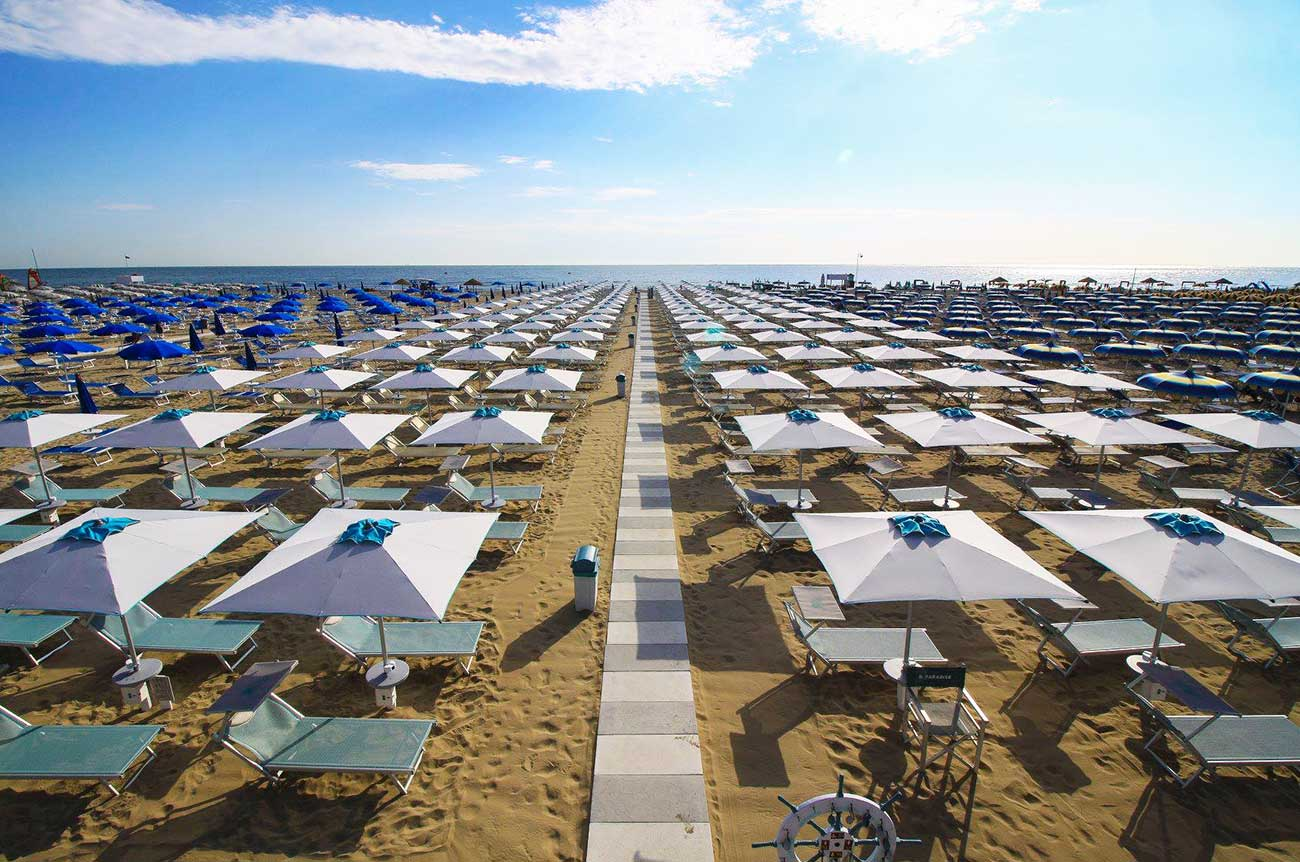 spiaggia-rimini-hotel-belmar-rivazzurra